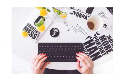 Ainda não tem um blog? Comece hoje a criar conteúdo para a jornada de compra do seu cliente.